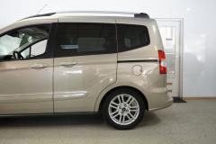 Ford-Tourneo-12